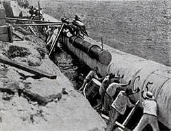 Installieren der Unterwasser-Rohre