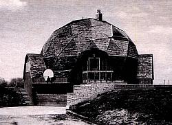 Geodätischer Dom als Haus