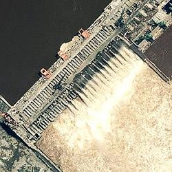 Drei-Schluchten-Staudamm Satellitenfoto