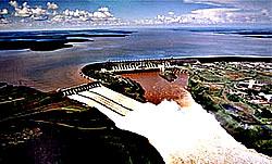 Itaipu-Staudamm
