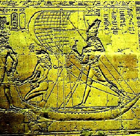 Pharaonisches Segelschiff auf Fries