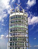 Agri Tower mit Dachrotoren